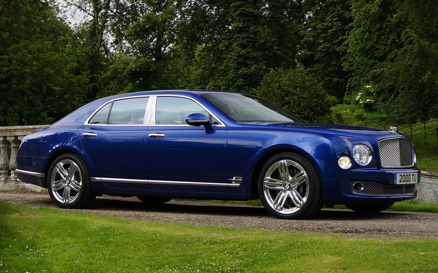 queens queen bentley mulsanne british sale just auto trader for price s up goes on