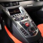 lamborghini-aventador-lp-700-4-center-console
