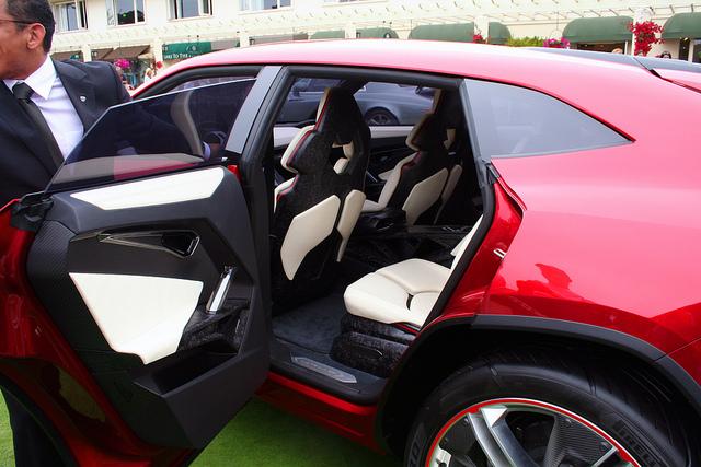lamborghini urus rear passenger door