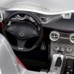 mercedes-benz-slr-mclaren-rear-overhead-view-open-closeup
