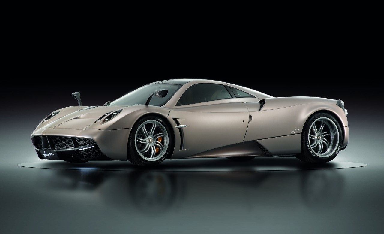 pagani huayra maybe 2 on this list but it 39 s 1 in my heart. Black Bedroom Furniture Sets. Home Design Ideas