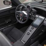 porsche-918-spyder-interior